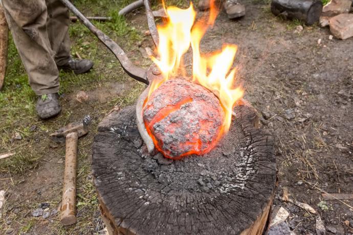 Stará huť u Adamova - 23. května 2015 - železná lupa