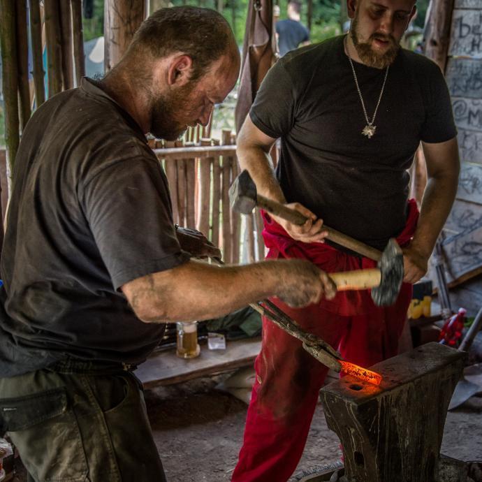 Kování prvotního hranolu pro výrobu nožíku
