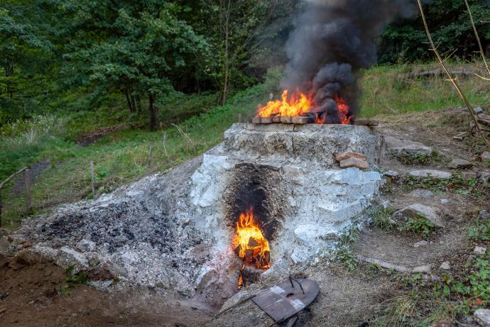 Hořící vápenka