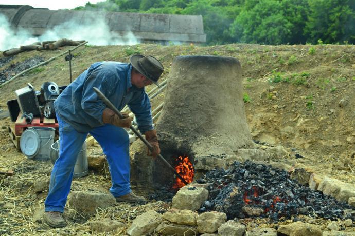 Kolega Merluzzo při vylomení pece