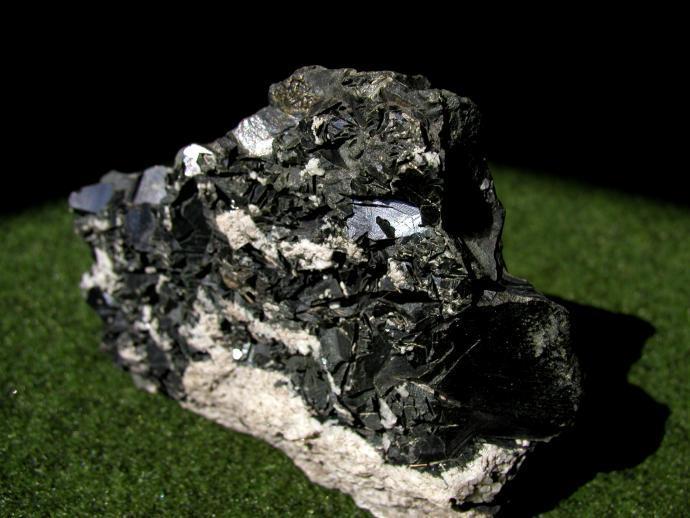 Hrubě krystalický chamosit z Froßnitztalu
