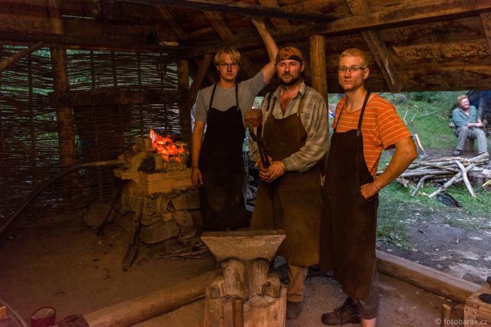 Hotová kostka z houby českobrodských kovářů